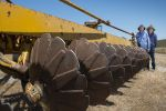 Tips for using a modified one-way plough for soil mixing and inversion