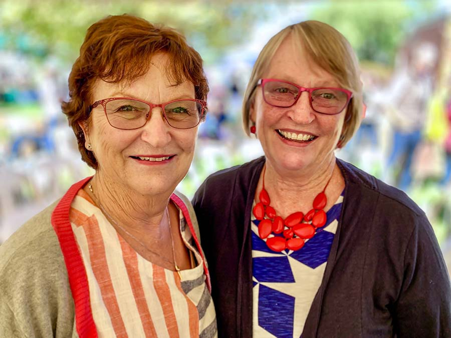 Karen Quade, Trundle, NSW, with Julie Lincoln, Maroochydore, Queensland. PHOTO Nicole Baxter